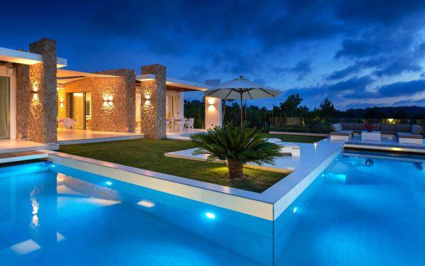 772863 1809619 foto50471179 600x375 - El diseño arquitectónico del futuro: casas con estructura moderna