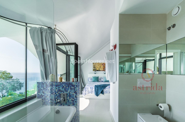 79220385 3090047 foto 258644 - Una casa cueva de estilo Gaudí frente al Mediterráneo