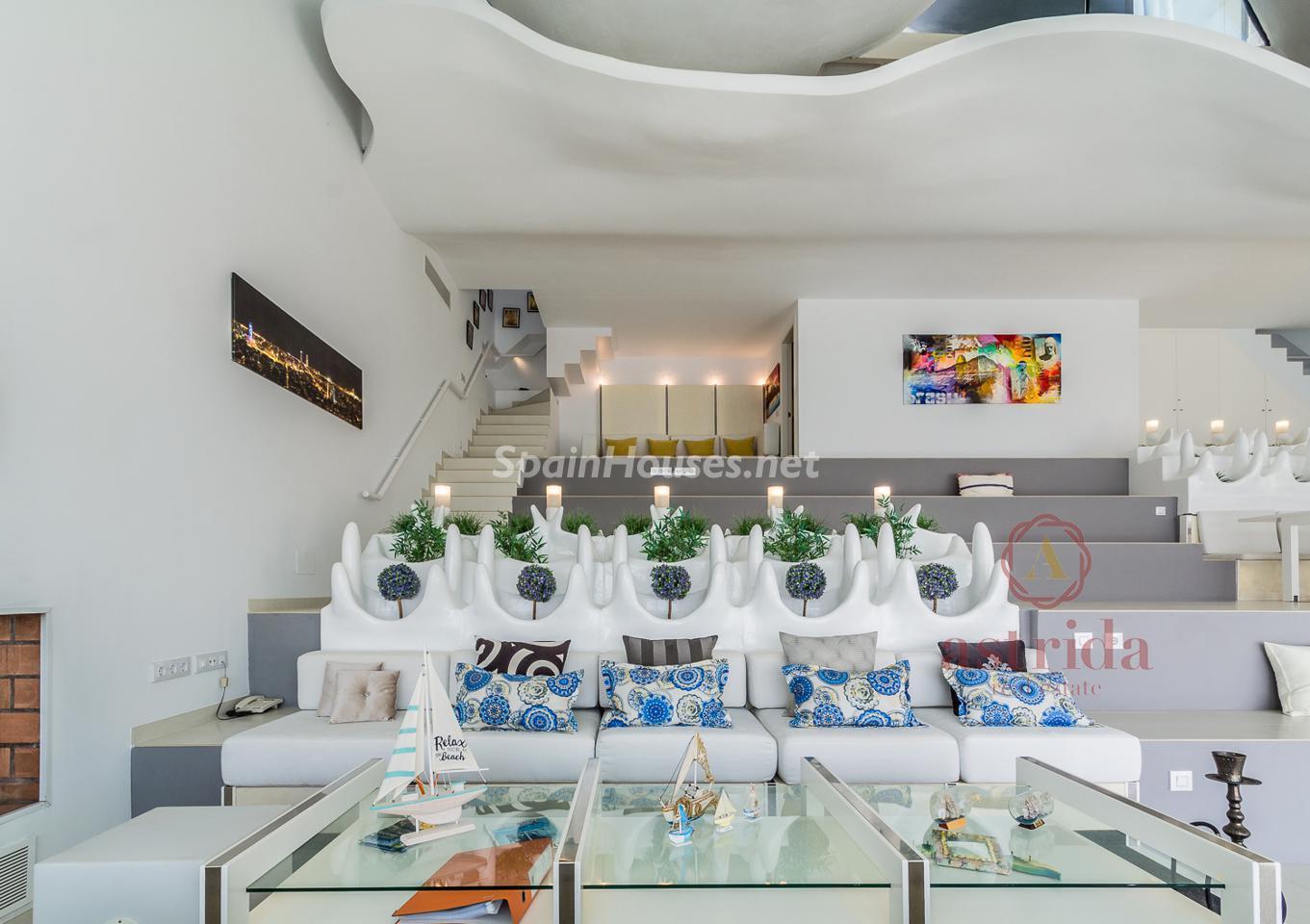 79220385 3090047 foto 486352 - Una casa cueva de estilo Gaudí frente al Mediterráneo