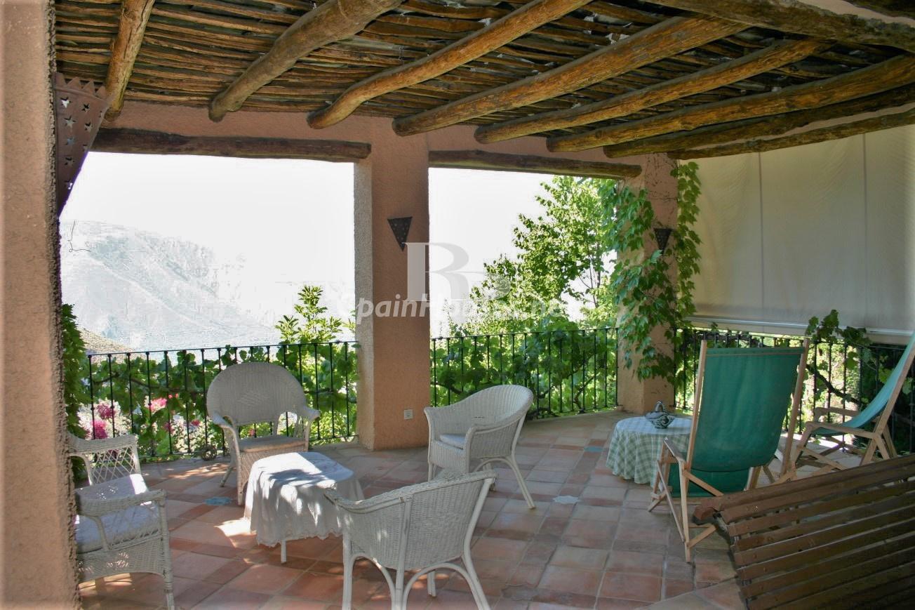79874050 3157227 foto124480287 - Un paraje natural idilico en este encantador cortijo andaluz en Órgiva, La Alpujarra granadina