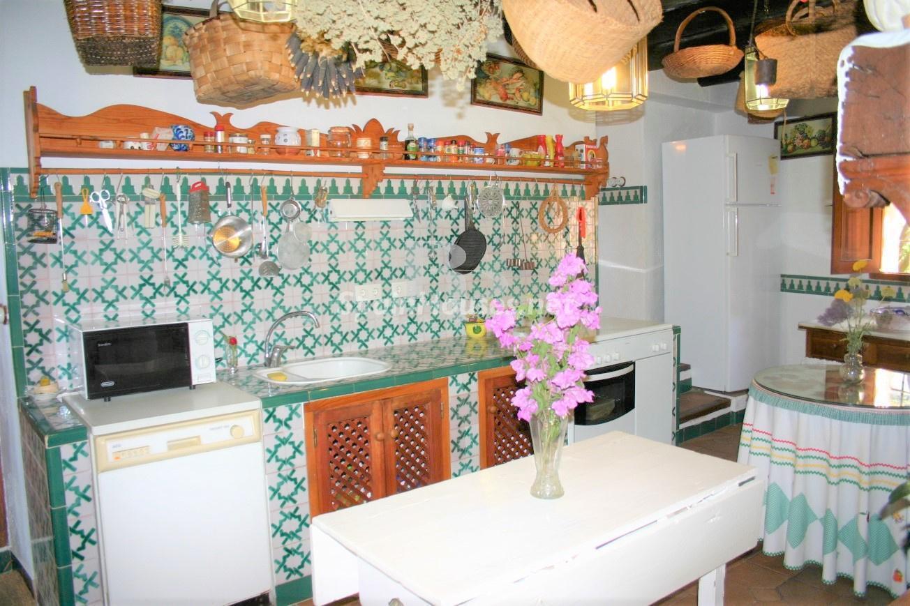 79874050 3157227 foto124480319 - Un paraje natural idilico en este encantador cortijo andaluz en Órgiva, La Alpujarra granadina