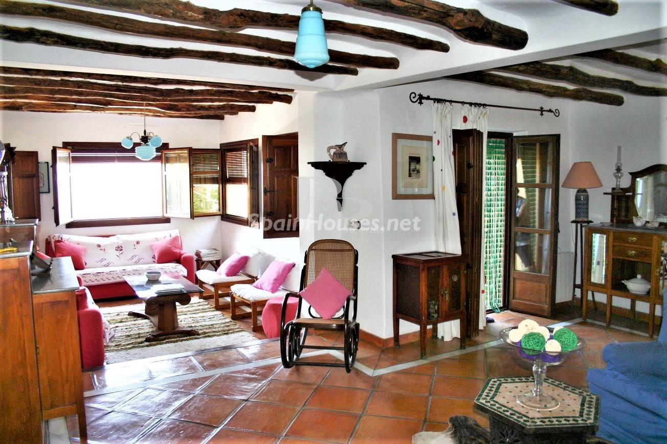 79874050 3157227 foto124480339 - Un paraje natural idilico en este encantador cortijo andaluz en Órgiva, La Alpujarra granadina