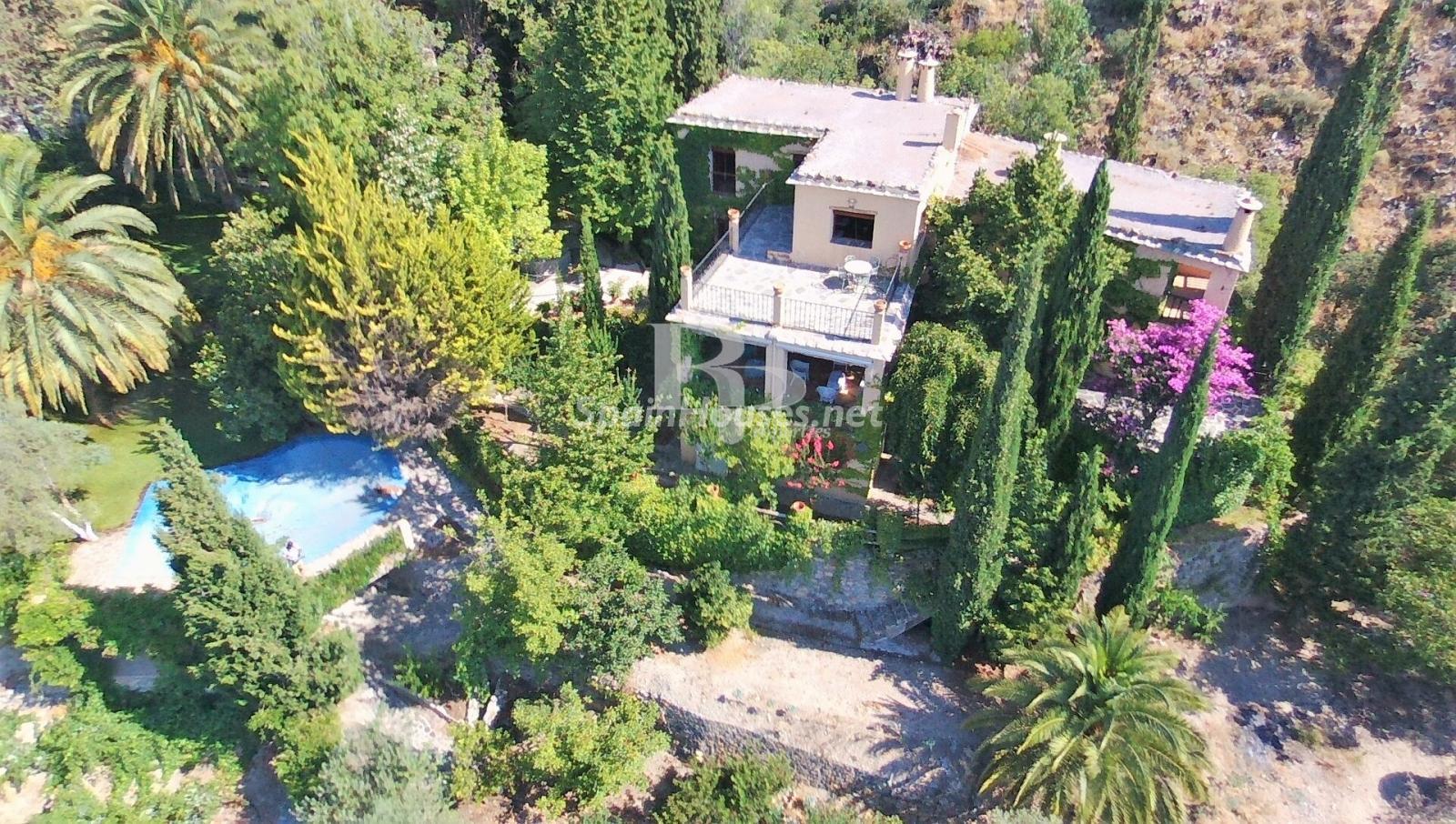 79874050 3157227 foto124480370 - Un paraje natural idilico en este encantador cortijo andaluz en Órgiva, La Alpujarra granadina