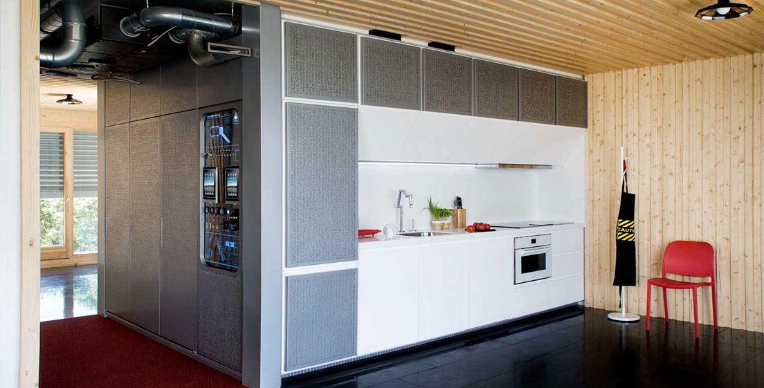 8 20 - Casa futurista o bella nave espacial para vivir en La Moraleja (Alcobendas, Madrid)