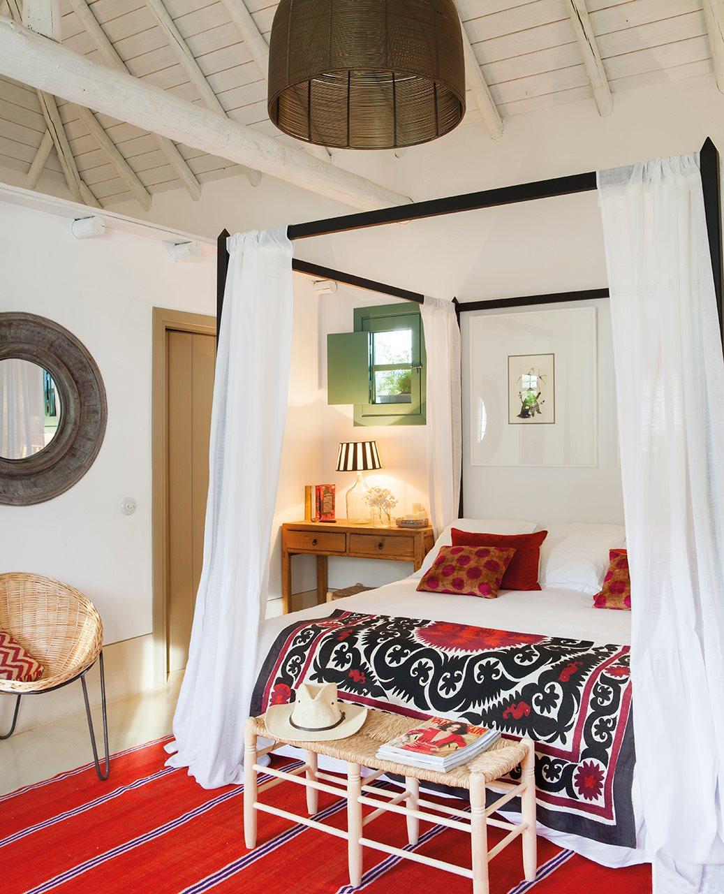 8 6 - Toque de encanto y color en Carmona (Sevilla): una casa entre olivos para alargar el verano