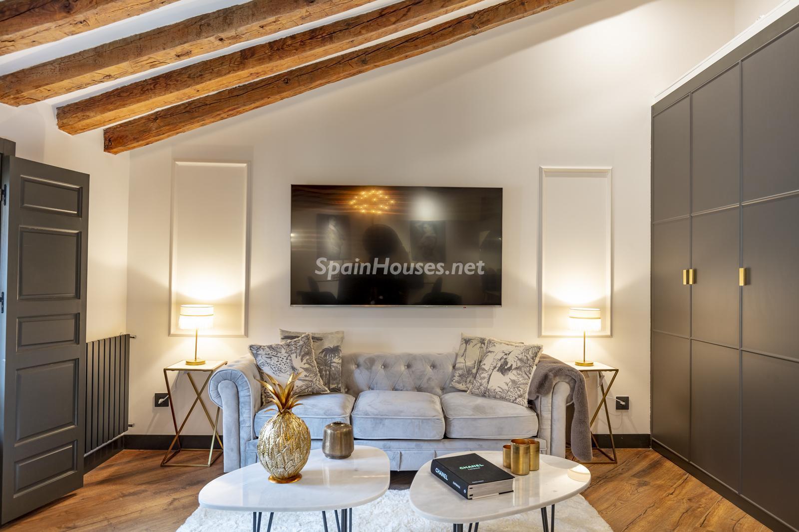 80012096 3159558 foto124728630 - Inspiración urbana y gran valor arquitectonico en este espectacular ático en Madrid