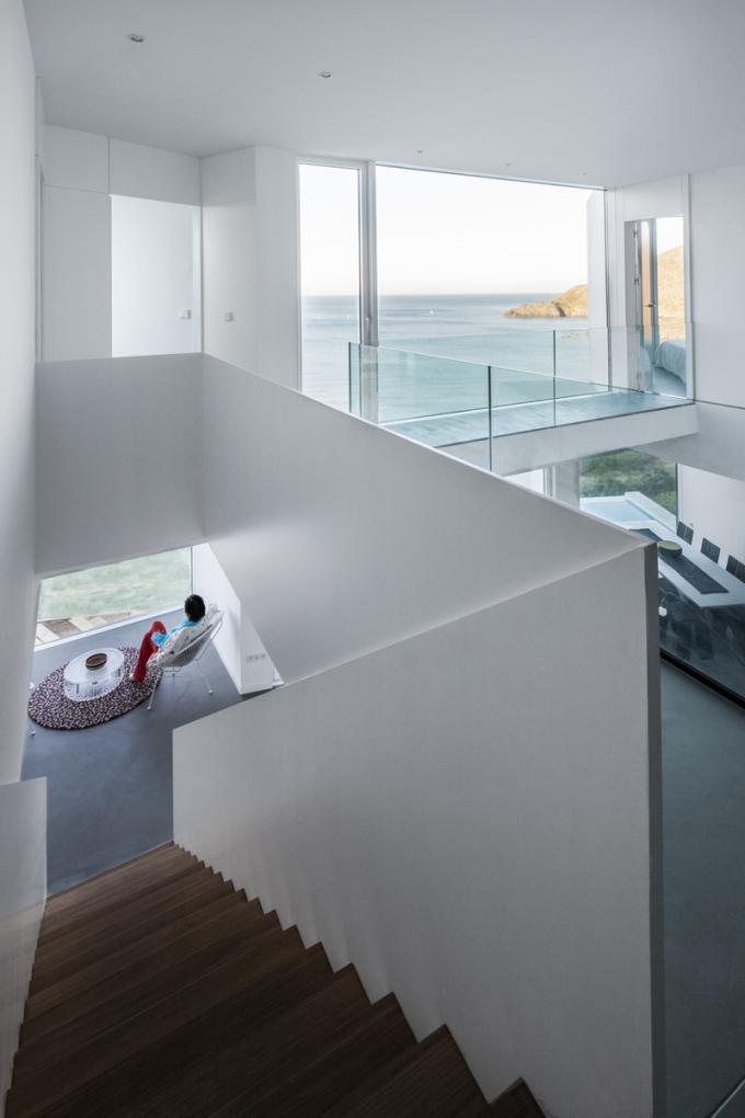 """811 - """"Casa Girasol"""" en Costa Brava, o las múltiples y geniales vistas entre la montaña y el mar"""