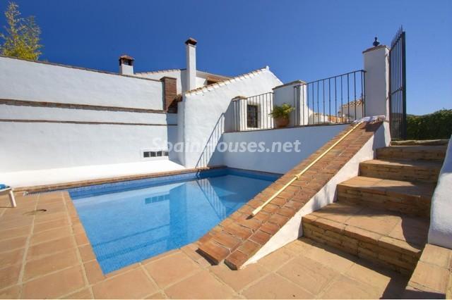821317 52724 26 - Espectacular Finca en venta en Colmenar (Málaga)
