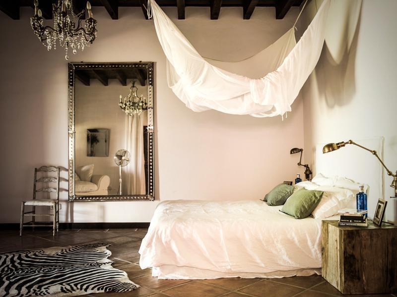 "823 - Preciosa casa con un armonioso y cálido ambiente ""chill out"" en Cala D´Hort, Ibiza"
