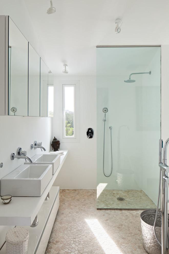 9 10 - Villa Mandarina: Paraíso blanco en Casares (Costa del Sol) lleno de encanto, luz y mar