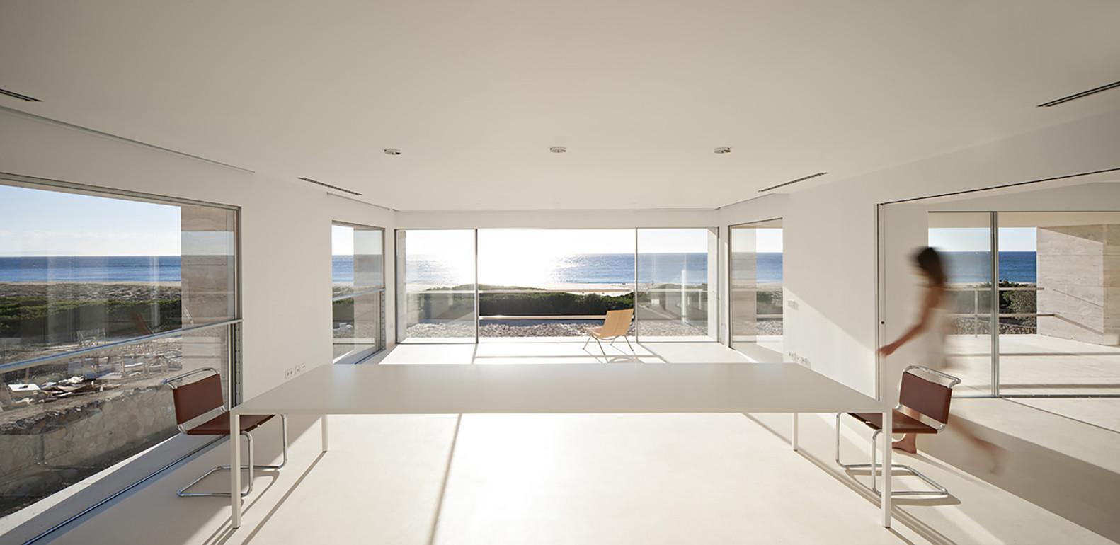 """9 12 - """"Casa del infinito"""": Horizonte espectacular de cielo y mar en Zahara de los Atunes (Cádiz)"""