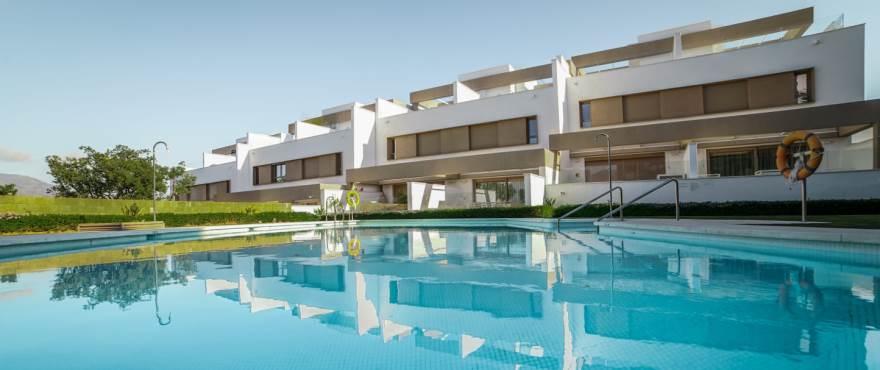 A1 Horizon golf townhouse pool January 2019 - Últimos adosados en venta en La Cala Golf, Mijas (Málaga). Ahora listos para vivir