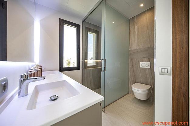 BANO 2 CASA CON PISCINA ALICANTE - Descubre esta espectacular casa con piscina en Alicante