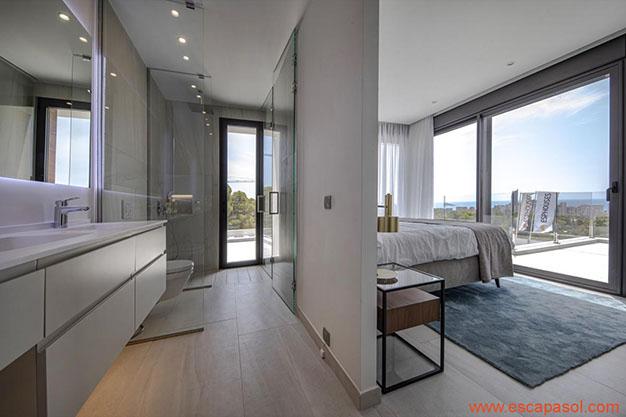 BANO DORMITORIO PRINCIPAL - Descubre esta espectacular casa con piscina en Alicante