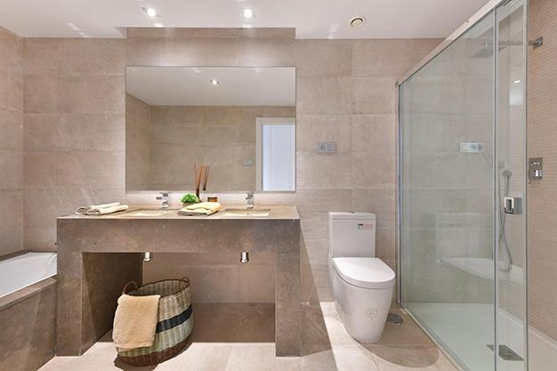BANO MARBELLA 1 - Este apartamento en venta en Marbella es el hogar perfecto para vivir en un entorno natural único y ser feliz