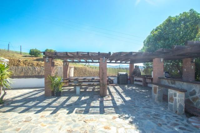 BOEAEP2480 67121 640 V1 BF8D - Naturaleza y mundo ecuestre fusionados en una preciosa finca en Álora (Málaga)