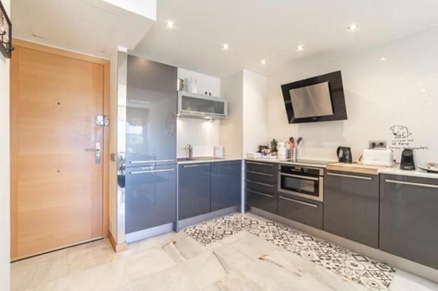 COCINA IBIZA 3 - No te podrás resistir a este apartamento en venta en Ibiza: bien situado y con terraza y piscina