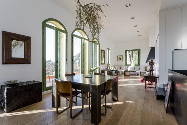 COMEDOR 600x400 - Acogedora casa en lo más alto de las montañas de Barcelona