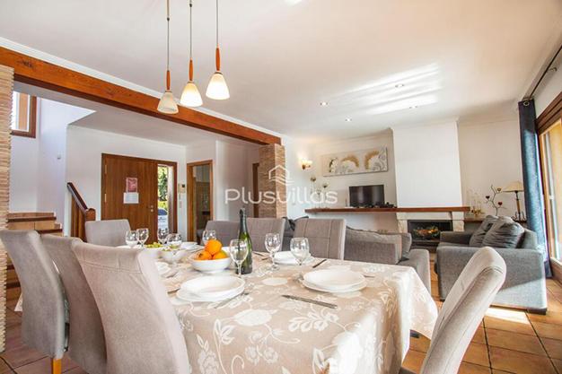 COMEDOR CALPE - Encuentra tu nuevo hogar en este chalet de lujo en Alicante