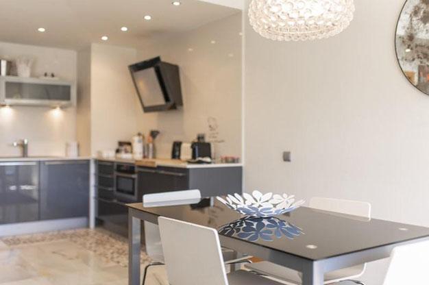 COMEDOR IBIZA - No te podrás resistir a este apartamento en venta en Ibiza: bien situado y con terraza y piscina