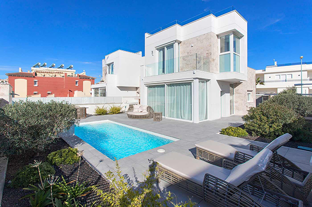 Casa cerca de la playa en Alicante con calidades de lujo - Casa cerca de la playa en Alicante con calidades de lujo