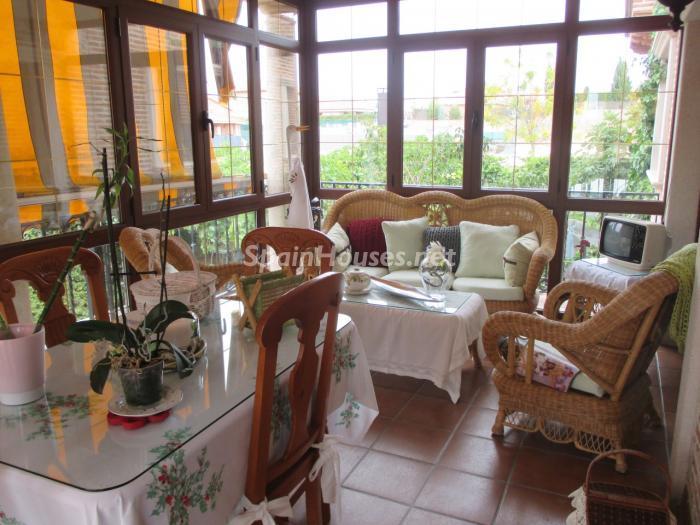 Chiloeches Guadalajara - Casas de otoño: terrazas, jardines, rincones llenos de encanto y calidez otoñal