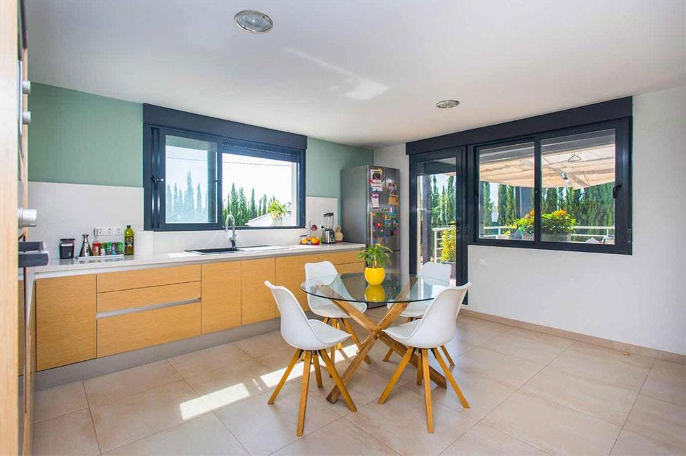 Cocina 83 - Disfruta de los jardines, piscina y tranquilidad de esta casa individual en Alicante