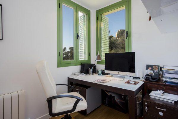 DESPACHO 600x400 - Acogedora casa en lo más alto de las montañas de Barcelona