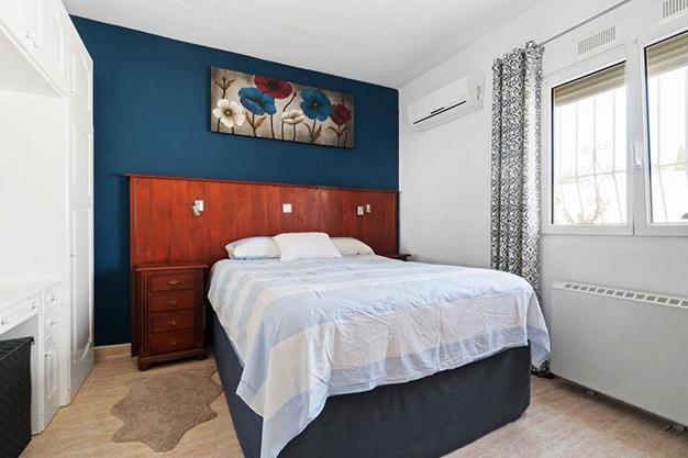 DORMITORIO 1 9 - Disfruta todo el año del buen clima con esta exclusiva villa en Alicante