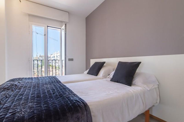 DORMITORIO 2 4 - No te podrás resistir a este apartamento en venta en Ibiza: bien situado y con terraza y piscina