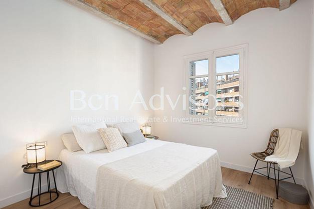 DORMITORIO 2 BARCELONA 1 - Este piso en venta en Barcelona con elementos de diseño únicos te enamorará
