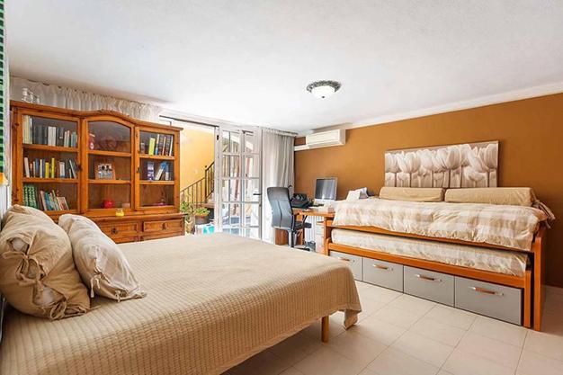 DORMITORIO 2 MALLORCA - Qué mejor que esta villa en Palma de Mallorca para disfrutar del sol y preciosas playas