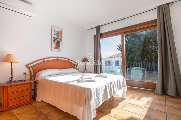 DORMITORIO 3 CALPE - Encuentra tu nuevo hogar en este chalet de lujo en Alicante