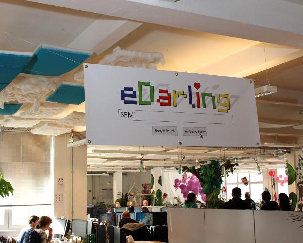 Decoración con diseño de selva tropical en oficinas