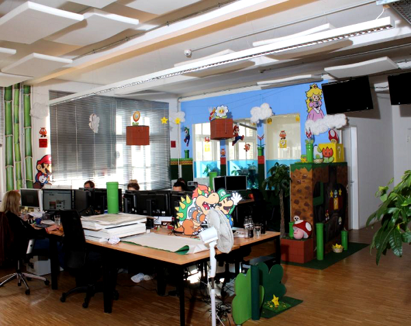 Decoración de oficina estilo Mario Bros 2