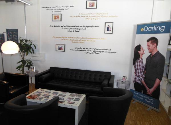 Decoración de oficinas eDarling1 - Las oficinas de eDarling se cubren de colores y creatividad
