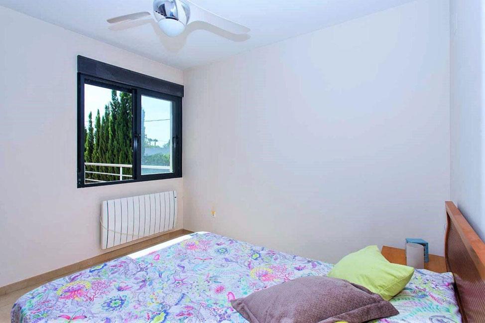 Dormitorio1 66 - Disfruta de los jardines, piscina y tranquilidad de esta casa individual en Alicante