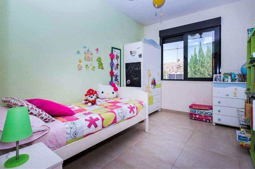 Dormitorio3 12 - Disfruta de los jardines, piscina y tranquilidad de esta casa individual en Alicante