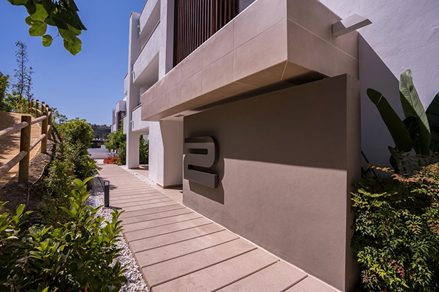 EDIFICIO BENAHAVIS - Vive rodeado de espacios verdes con este apartamento de lujo en Málaga
