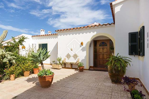 ENTRADA MENORCA - Vivir en el paraíso es posible con esta casa de lujo en Menorca