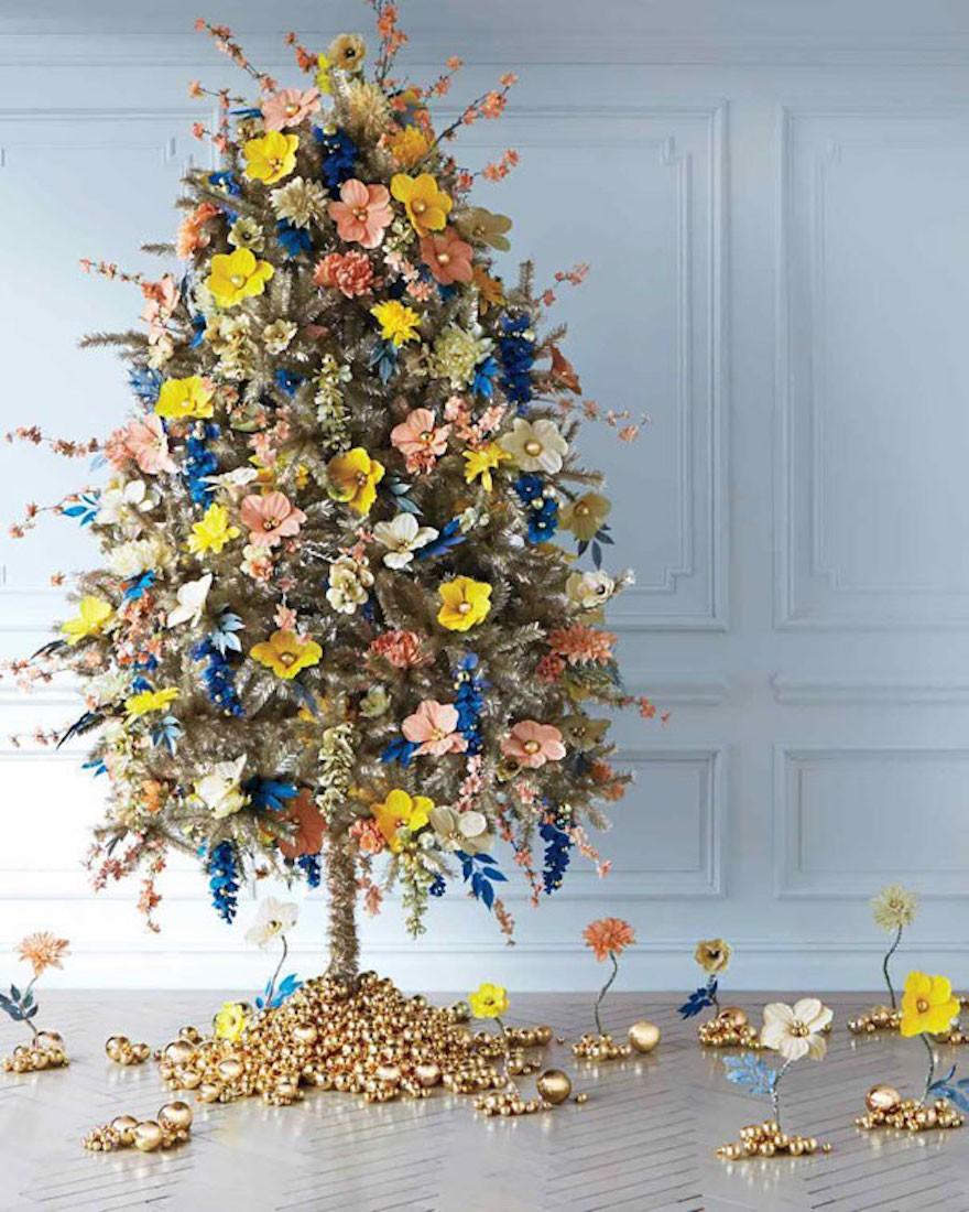 EmilyWhite - Decorar el árbol de navidad con flores: un ambiente fresco con un resultado espectacular