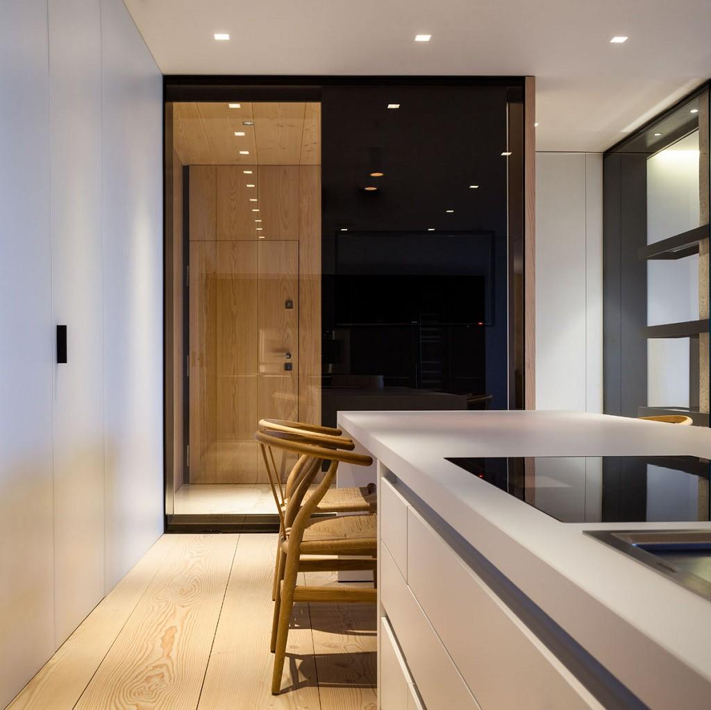FrancéscRifé cocina 1024x1023 - Fantástico y moderno ático en Sevilla de elegante y cálido diseño minimalista