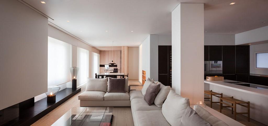 FrancéscRifé salonycocina 1024x482 - Fantástico y moderno ático en Sevilla de elegante y cálido diseño minimalista