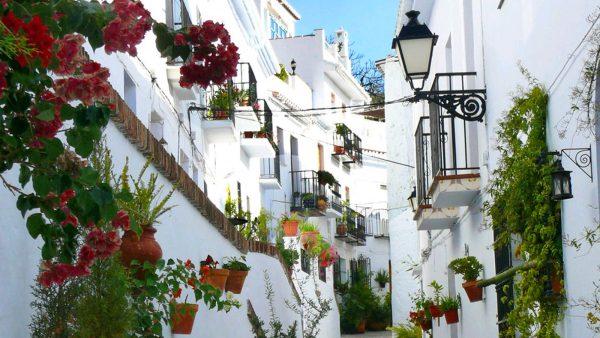 Frigiliana 2 600x338 - Los mejores pueblos de Málaga para una escapada rural en las fiestas del Pilar