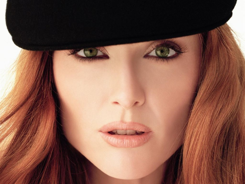 Julianne Moore Green Eyes - Julianne Moore vende su apartamento del West Village