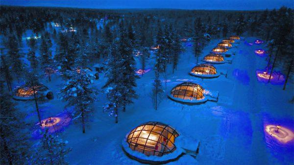 MAJOITUS Lasi iglut 1 600x337 - Los mejores hoteles para los verdaderos amantes del invierno