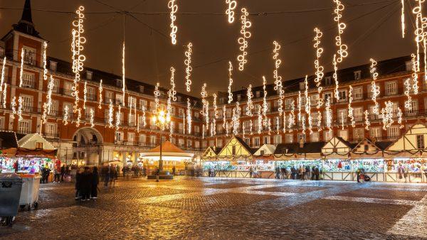 Navidad en Madrid 1 600x338 - Las 5 ciudades de España que más brillan en Navidad