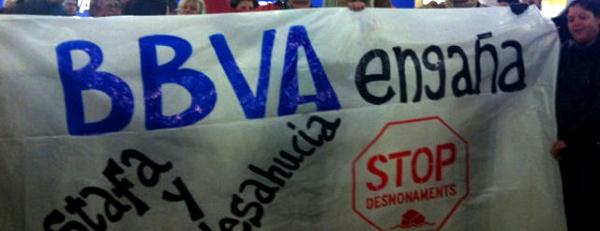 Manifestación de la PAH en el BBVA de Sabadell