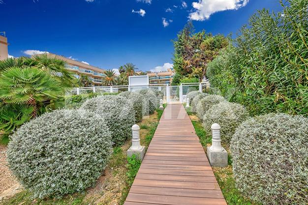 PASILLO PLAYA - ¿Sueñas con un piso de lujo en Ibiza junto al mar?