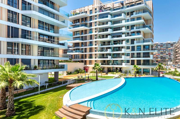 PISCINA ALICANTE - Descubre este piso junto a la playa en Alicante, ideal para aquellos que buscan un espacio moderno y cómodo